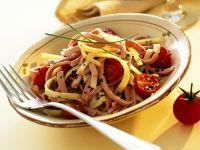 Käse-Wurst-Salat mit Tomaten