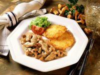 Kalbsgeschnetzeltes mit Pfifferlingen und Kartoffelrösti