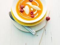 Kalte Aprikosensuppe mit Grießnocken und Joghurt