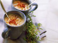 Karottensuppe mit getrockneten Tomaten
