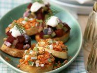 Kartoffel-Häppchen mit Linsen und Heringssalat