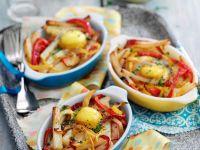 Kartoffel-Paprikagemüse mit Ei überbacken