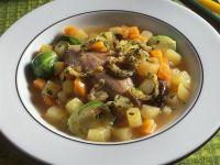 Kartoffel-Rosenkohl-Eintopf mit Ente