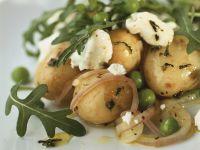 Kartoffel-Rucolasalat mit Erbsen