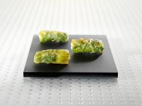 Kartoffel-Salat-Röllchen mit Krebsfleisch