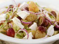 Kartoffel-Trauben-Salat mit Ziegenkäse