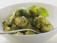 Kartoffelgnocchi mit Pesto verde