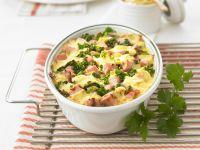 Kartoffelgratin mit Grünkohl und Schinken