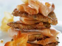 Kartoffelküchlein mit Kaviar und Lachs