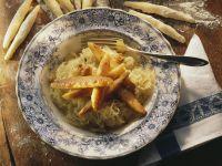Kartoffelnudeln mit Sauerkraut