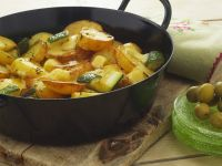 Kartoffelpfanne mit Käse und Zucchini