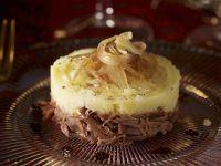 Kartoffelpüree nach Parmentier-Art mit Ente und Zwiebeln