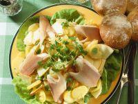 Kartoffelsalat mit Forelle