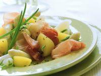 Kartoffelsalat mit Spargel und Schinken