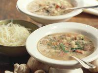 Kichererbsen-Gemüsesuppe mit Pilzen