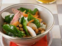 Kichererbsensalat mit Spinat und Lamm