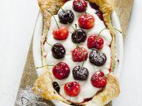 Kirschkuchen mit Mascarpone und Marmelade