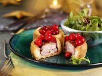 Kleine Pasteten mit Schweinefleisch und Cranberries
