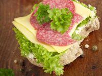 Käse-Salami-Brot
