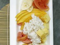 Kokos-Milchreis mit exotischen Früchten