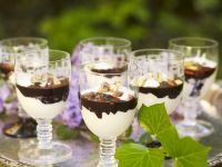 Kokos-Schoko-Creme mit Pistazien