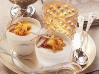 Kokoscreme mit Karamell-Ananas