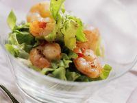 Kopfsalat mit Chili-Garnelen