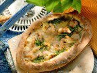 Krabben-Lauch-Pizza mit Ananas