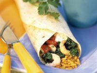 Krabben-Wrap mit Reis dazu Salsa