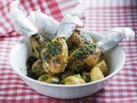 Kräuter-Hähnchenkeulen mit Kartoffeln