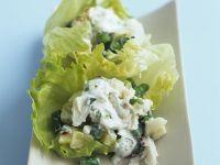 Krebsfleisch-Kartoffel-Salat mit Sauerrahm-Dressing
