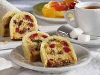 Kuchen mit kandierten Früchten