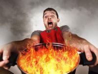 Mann mit brennendem Topf