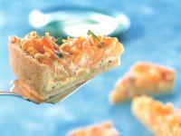 Kürbis-Möhren-Quiche mit Pinienkernen
