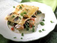 Lachs-Lasagne mit Gorgonzola, Spargel und Tomaten