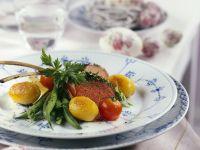 Lammchops mit Kartoffeln, Bohnengemüse und Tomaten