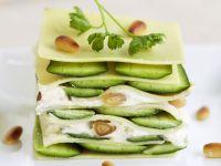 seelachsfilet mit zucchini und pinienkernen rezept eat smarter. Black Bedroom Furniture Sets. Home Design Ideas