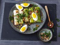 Lauch mit hartgekochten Eiern und Vinaigrette