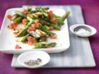 Lauwarmer Spargel-Tomaten-Salat