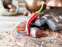Chili, Schokolade und Nüsse