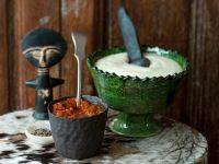 Maisbrei und pikante Tomatensauce aus Afrika