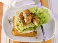 Makrelen-Gurken-Toast