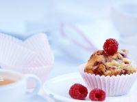 Mandel-Muffins mit Himbeeren