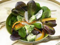 Marinierter Romanesco auf Feldsalat