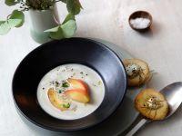 Maronensuppe mit Äpfeln und Rosmarinbrot