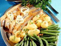 Matjes mit Gemüse und Speck
