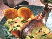 Matjesfilets mit Gurken-Salat