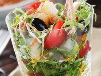 Mediterraner Salat mit Fisch