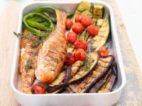 Meeräsche mit Gemüse vom Grill