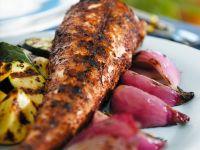 Meeräsche vom Grill mit Gemüse